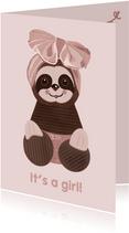 Schattige felicitatiekaart geboorte meisje luiaard-knuffel