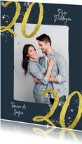 Stijlvolle kerstkaart met foto en gouden 2020