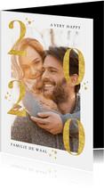 Stijlvolle nieuwjaarskaart met gouden 2020 en foto