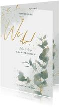 Stijlvolle trouwkaart met waterverf, takje & gouden spetters