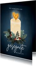 Stilvolle Weihnachtskarte gesegnete Weihnacht mit Kerze