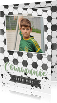 Stoere voetbal communiekaart met eigen foto