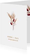 Trendy trouwkaart met pampasgras en droogbloemen