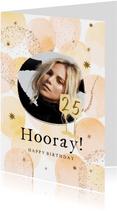 Trendy verjaardagskaart met ballonnen in warme tinten