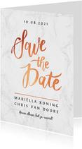 Trouwkaart save the date marmerlook met rosé goud letters