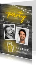 Uitnodigingen - Uitnodiging houtlook man neon hip met foto's en slingers