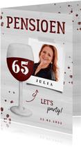 Uitnodiging pensioen wijnglas met foto en leeftijd