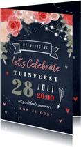 Uitnodiging tuinfeest bloemen lampjes krijtbord
