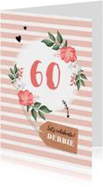 Uitnodiging verjaardag vrouw hip met bloemen en label