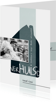 verhuiskaart met huis en speelse typografie