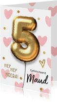 Verjaardagskaart 5 jaar ballon roze hartjes meisje