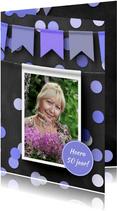Verjaardagskaart hangende foto op krijtbord