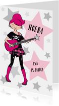 Verjaardagskaart meisje gitaar stoer