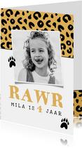 Verjaardagskaart meisje panter luipaard roze jungle