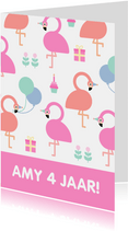 Verjaardagskaart met feestende flamingo's