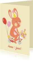 Verjaardagskaart oranje konijn fiets