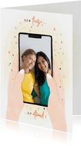 Verjaardagskaart telefoon met foto feestje op afstand
