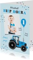 Verjaardagskaart tractor confetti blauw jongen ballon