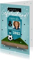 Verjaardagskaart voetbal stoer jongen score confetti