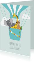 Verjaardagskaartje met vrolijke diertjes in een luchtballon