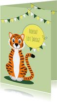 Verjaardagskaartje met vrolijke tijger in groen