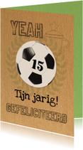 Voetbal en jarig kraftpapier-ByF