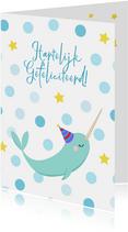 Vrolijke en kleurrijke verjaardagskaart met een narwal