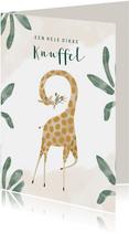 Vrolijke kinderkaart jungle met giraf en dikke knuffel