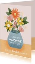 Vrolijke moederdag kaart bosje bloemen in vaas op tafel