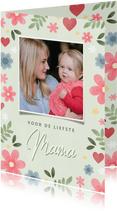 Vrolijke moederdag kaart met bloemen hartjes en foto