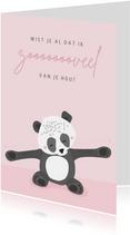 Zachtroze valentijnskaart met illustratie van een panda