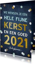 Zakelijke kerstkaart met tekst 2021 en vrolijke confetti