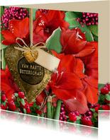 Beterschapskaart met bronskleurig hart en rode amaryllissen