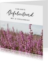 Bloemen verjaardagskaart met foto van paarse heide