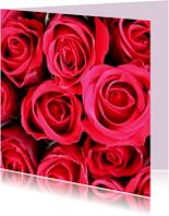 Bloemenkaart met felrode rozen