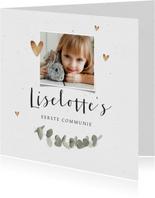 Communie uitnodiging eucalyptus gouden hartjes en foto