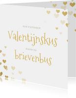 Corona Valentijnskaart - papieren kus door de brievenbus