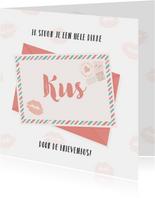 Een dikke kus door de brievenbus!