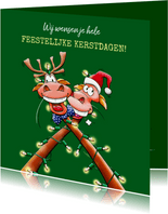 Een verdraaid leuke kerstkaart 2 rendieren kerstverlichting