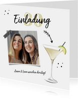 Einladung zur Geburtstagsparty Foto und Cocktailglas