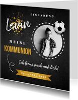 Einladung zur Kommunion Foto & Fußball auf Kreidetafel