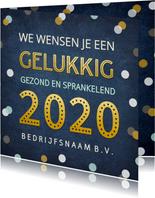Feestelijke zakelijke nieuwjaarskaart met confetti en goud