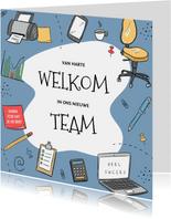 Felicitatie nieuwe kantoorbaan met bureaustoel en laptop