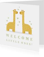 Felicitatiekaart geboorte tweeling giraf met hartjes