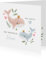 Felicitatiekaart grote zus en broertje walvissen en hartjes
