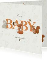Felicitatiekaart zwanger - Bosdieren rondom woord baby