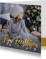 Foto kerstkaart met goudlook fijne feestdagen en sterretjes