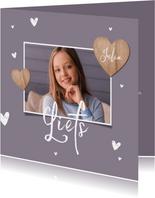 Fotokaart met houten hartjes en 1 grote foto