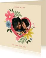Fotokaart moederdag met hartje, bloemen en takjes