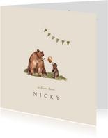 Geboortekaartje grote beer en klein beertje met vlaggetjes